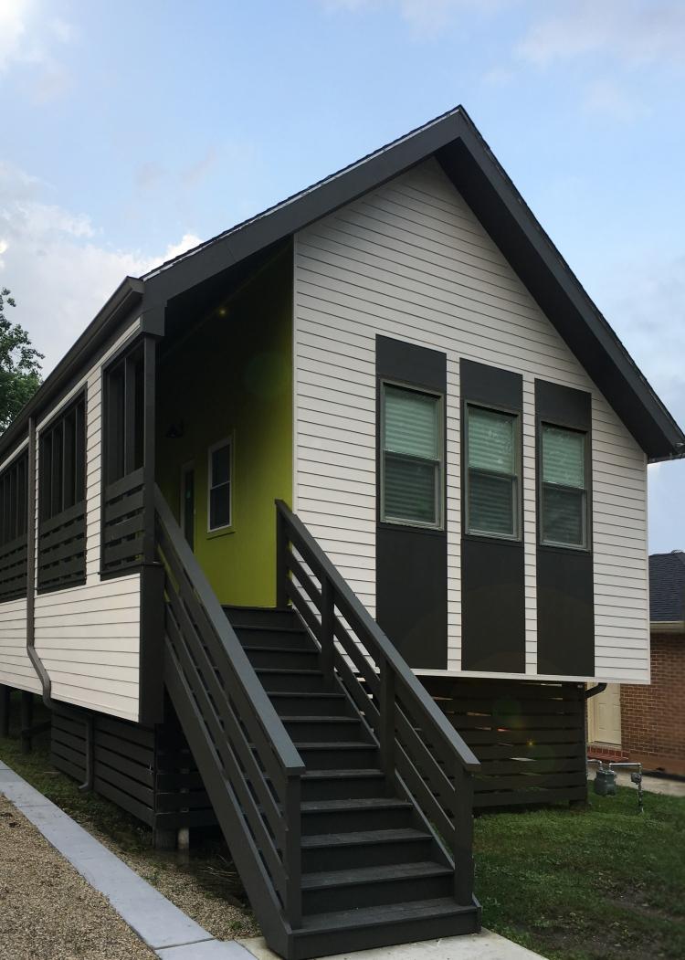 Modern New Orleans Shotgun House by GOATstudio